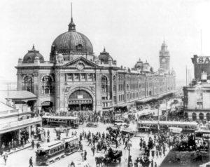 DEGRAVES NFlinders_St Station 1927_intersection_1927